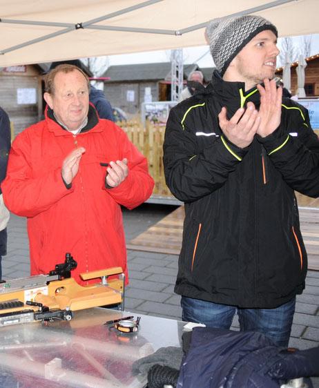 Links: Wilfried Meyer, Leiter des Freizeitzentrums Xanten und rechts Lennart Kühl, Projektleiter der Winterworld.